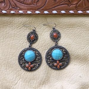 Dangling earrings with turquoise and orange stone